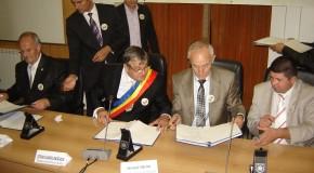 Actul constitutiv al Asociaţiei Internaţionale a Oraşelor Înfrăţite, semnat