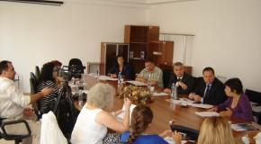 """Conferinţă cu tema """"Efectele blocării POSDRU în Călăraşi. Cine pierde în realitate?"""""""