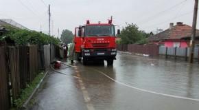 Intervenţii la inundaţii în localitățile: Călărași, Modelu și Borcea