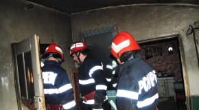 Intervenţie la incendiu de locuinţă cu o victimă în localitaea Ulmu