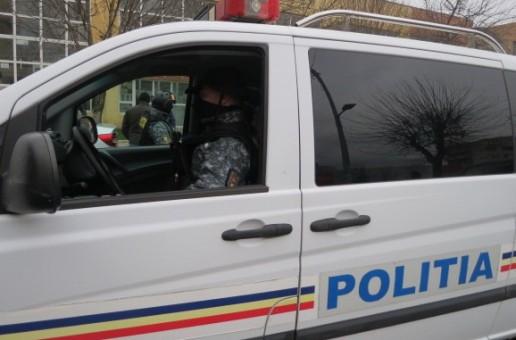 PRINS DE POLIȚIȘTI ÎN MAI PUȚIN DE DOUĂ ORE DE LA COMITEREA UNEI INFRACȚIUNI